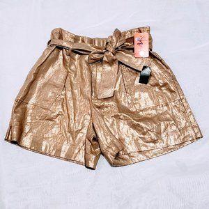 Ralph Lauren Shorts - 🆕Lauren Ralph Lauren Gold Belted Shorts size 12💕